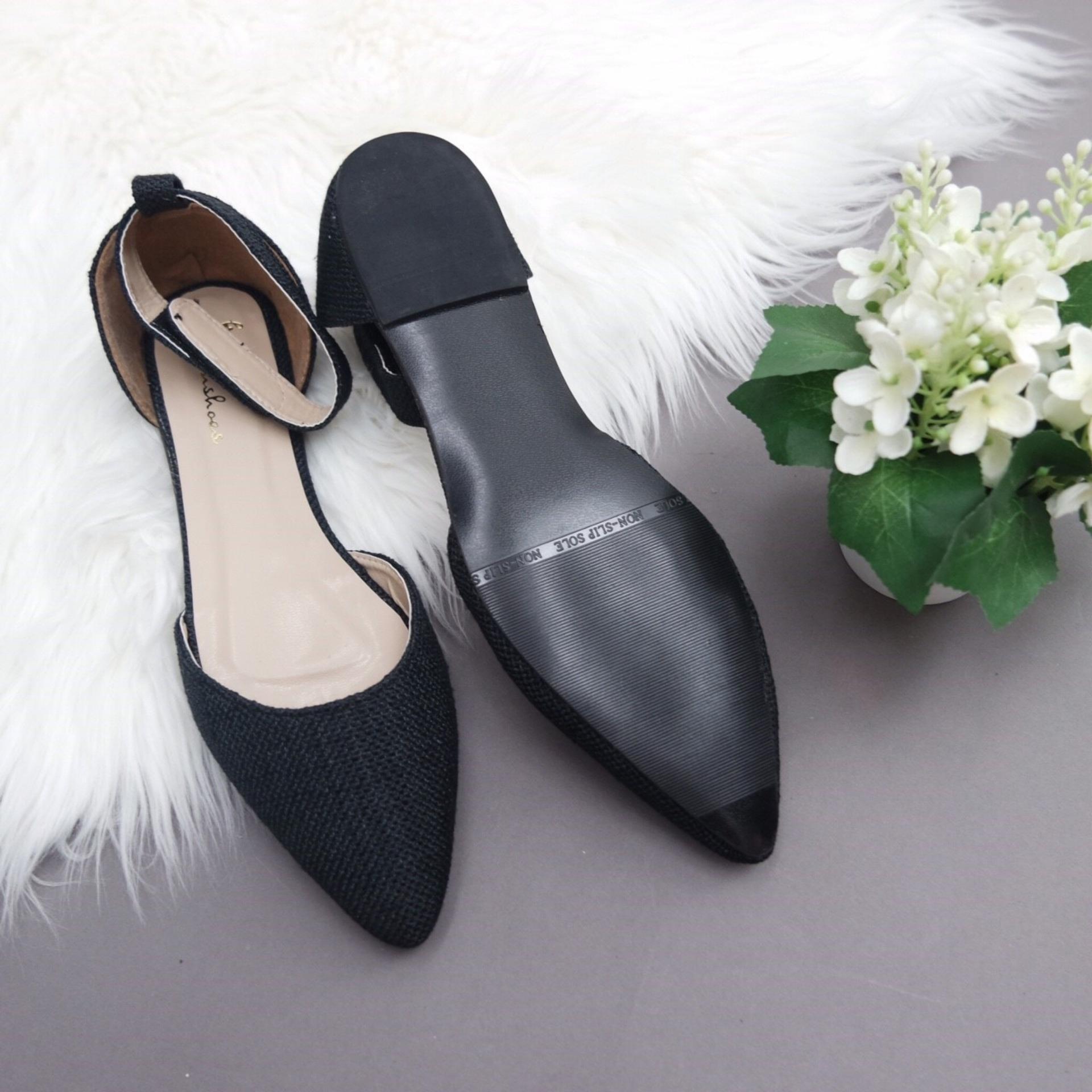 KelinciMadu-Canvas Slip Flatshoes-Black .