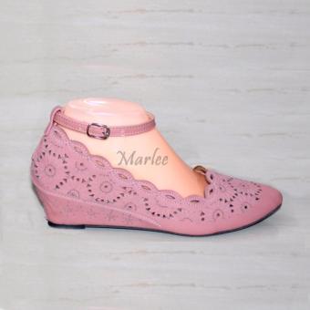 Harga Marlee Angkle Strap Wedges Wanita BD 01 Salem Terbaru klik gambar.