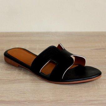 Marlee DN-18 Sandal Flat - Hitam
