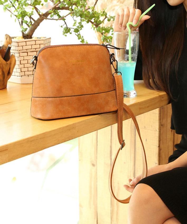 Handbag Source · niceEshop wanita vintage buram PU Kulit Tas Kurir coklat muda .