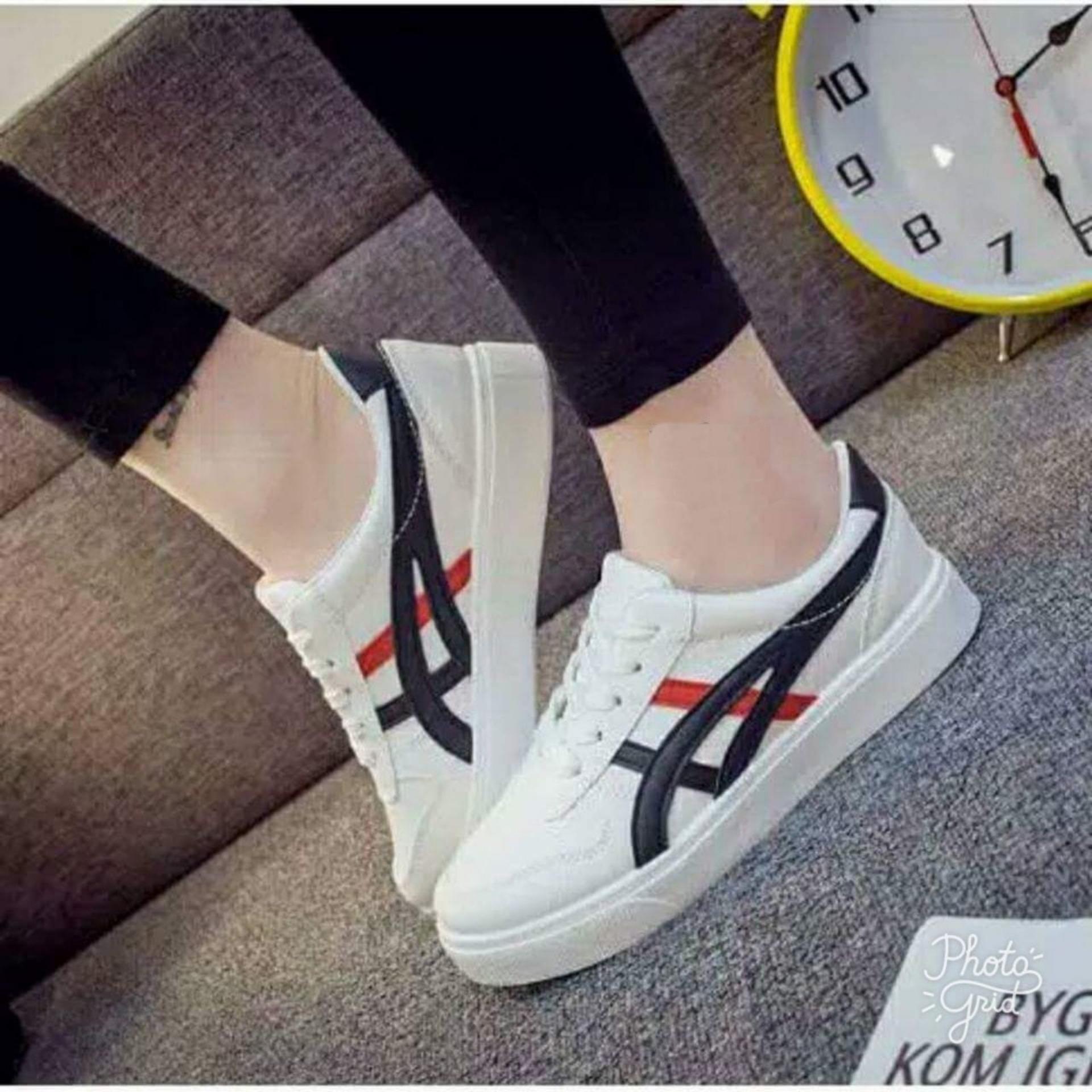 Sepatu Casual Wanita Putih Garis Hitam-Merah SC12