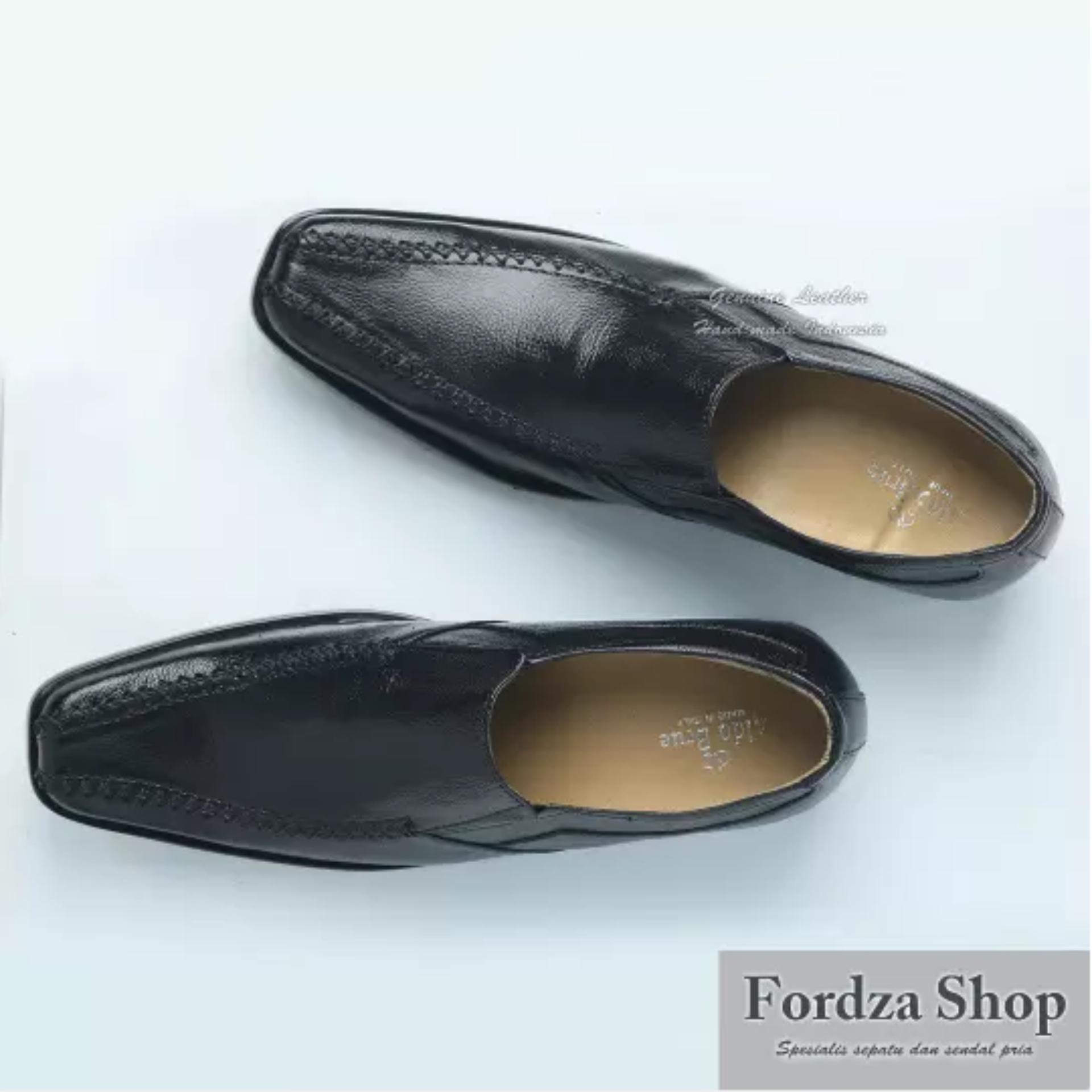Spatoo Sepatu Pantofel A2 Bahan Kulit Sapi Asli Warna Hitam Untuk ... 9847bbf7b9