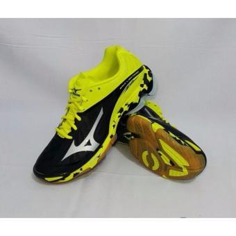 Beli Sepatu voli Mizuno Wave Lightning Z2 - Hitam Silver Kuning Terpercaya 8225c7776a