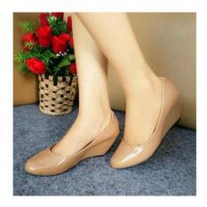 Sepatu Wanita Wedges Pantofel Sintetis Pitakun Cream Nf 05 ... db15e9a3b7