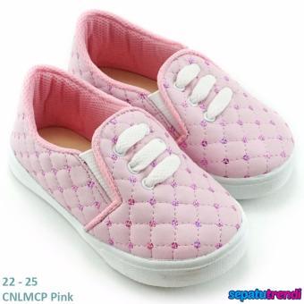 Penawaran Bagus TrendiShoes Sepatu Anak Perempuan Slip On Variasi 3 Tali CNLMCP -Pink Price Checker