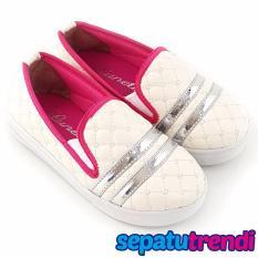 TrendiShoes Sepatu Anak Perempuan SlipOn Elegan 07RD - Putih