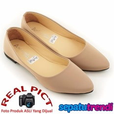 TrendiShoes Sepatu Wanita Flat Shoes Elegan SO01 - Beige
