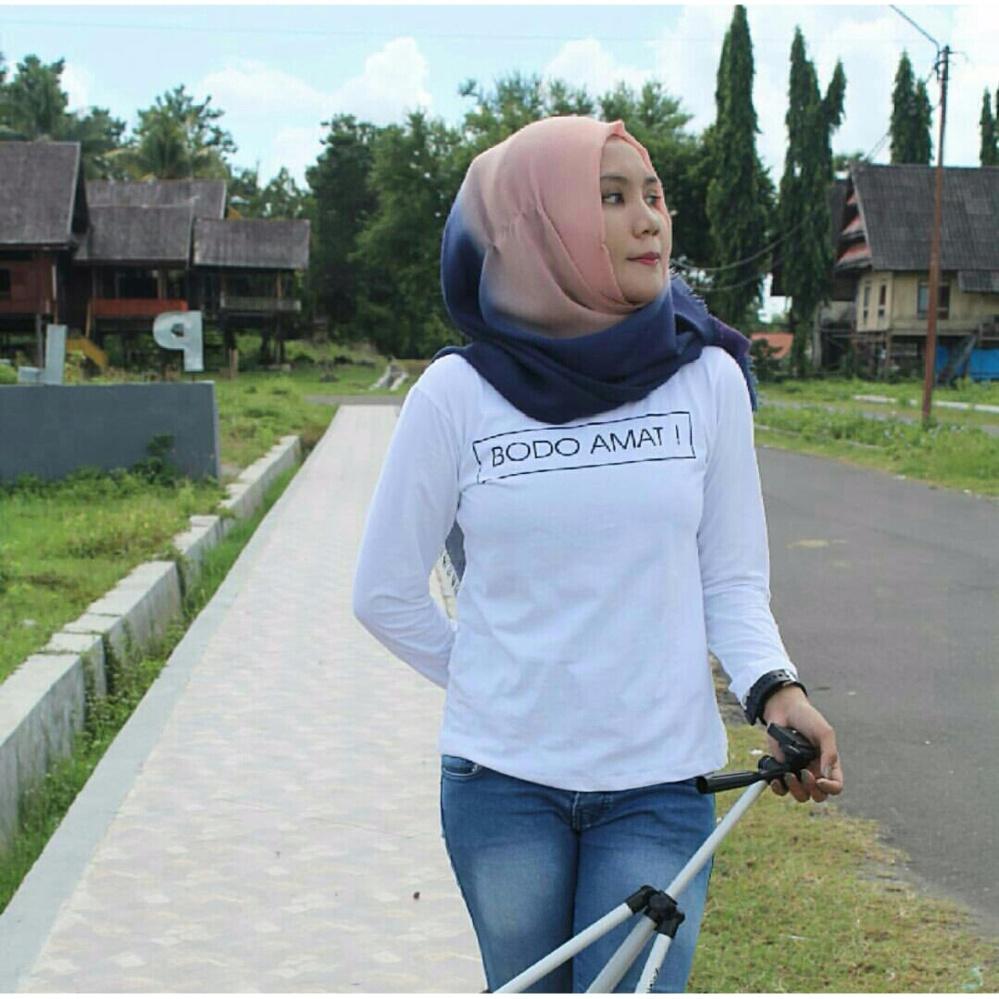Shopping Comparison Tumblr Tee / T-Shirt / Kaos Wanita Bodo Amat - Putih Lengan Panjang