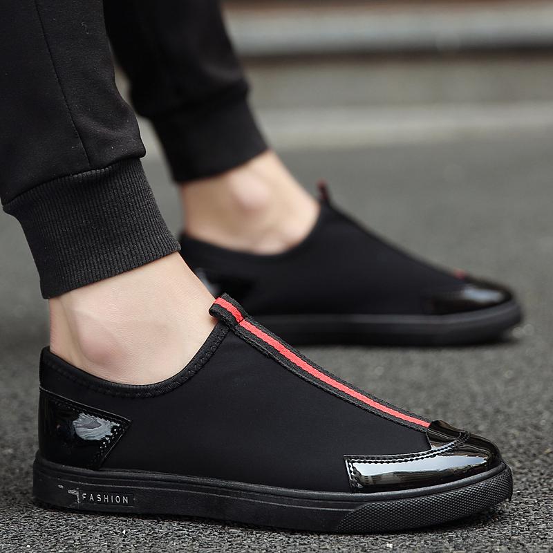 Flash Sale Versi Korea baru bernapas ringan malas sepatu sepatu pria (Hitam dan merah)