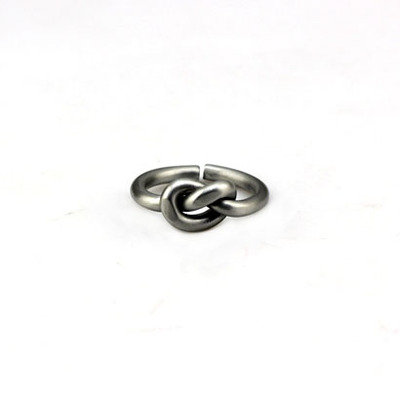 Celine Dion Jianyue doktrin diikat simpul yang jari telunjuk cincin