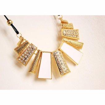 Gothic Diamante Kalung Wanita Hollow Women Lady Necklace- White - 3