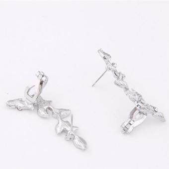 LRC Anting Wanita Silver Color Diamond Decorated Leaf Shape Design Alloy Stud Earrings .