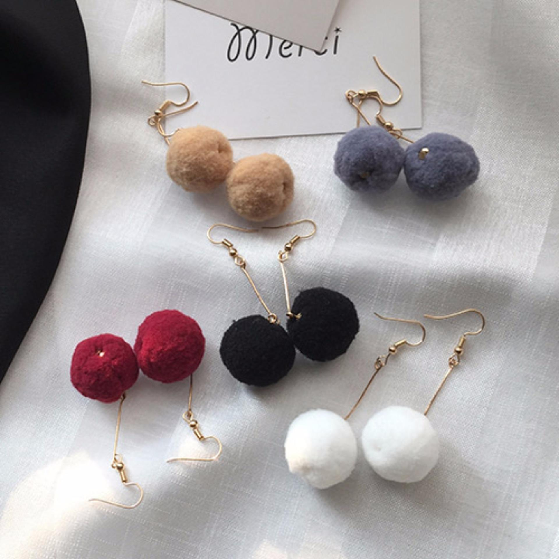 LRC Anting Jepit Elegant Claret Red Fuzzy Ball Pendant Decorated Pure Color Simple Earrings ...