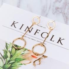 Model catwalk di Eropa dan Amerika gaya style anting cincin logam