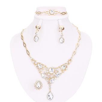 harga Wanita kalung kristal liontin cincin gelang anting-anting panjangberlapis emas aksesoris pernikahan putih - International Lazada.co.id